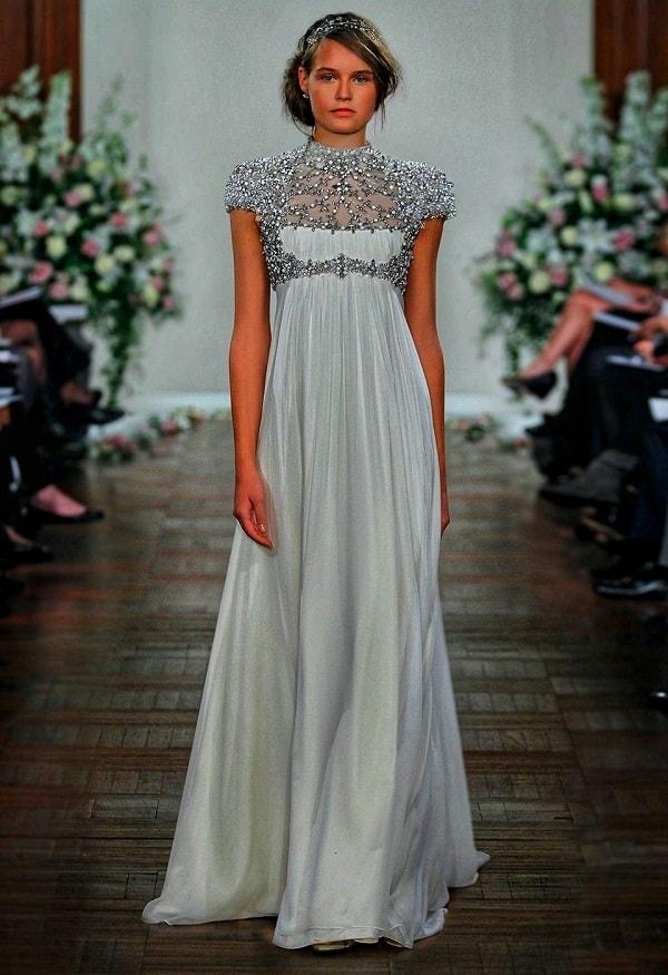 Вечернее платье: как создать целостный образ и стать королевой вечера