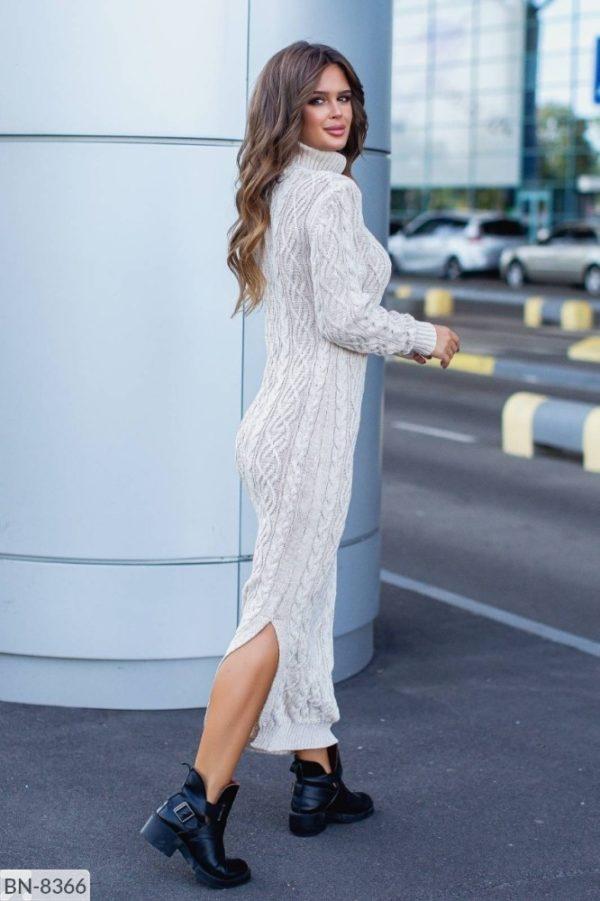 Длинное вязаное платье белое 46 размера