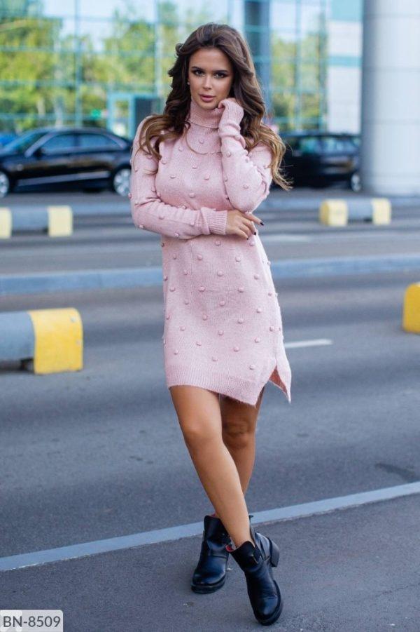 платье вязанное розовое